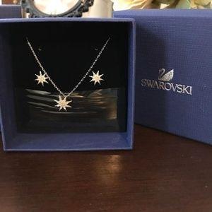 Silver Fizzy Necklace & Set Earrings